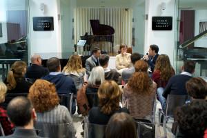 Un momento dell'incontro 'Educare Testimoniando'. I tre relatori da sinistra: Mario Losito, Martine Gilsoul, Claudio Mennini.